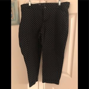 Gap slim city crops black with white polka dots